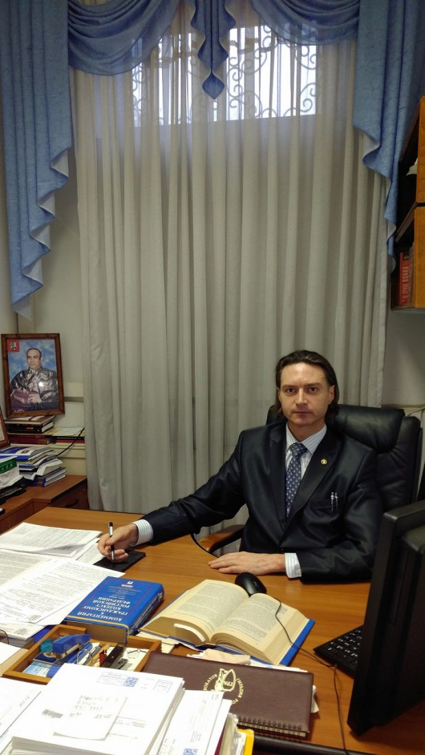 Адвокат Счастливый: Моя профессия – это действительно счастье и увлекательное занятие.